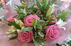 Pink Rose Mixed Bouquet